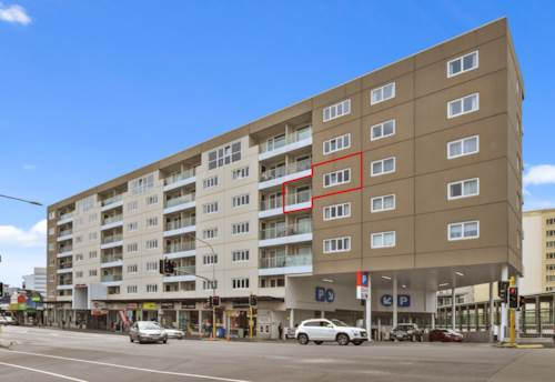 Newmarket, SPACIOUS NEWMARKET APARTMENT, Property ID: 50003422 | Barfoot & Thompson