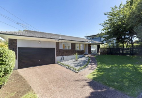 Epsom, Greenwoods Cnr Locatoin, Property ID: 50003440 | Barfoot & Thompson