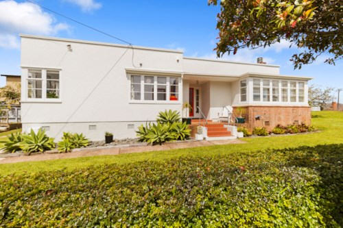 Greenlane, Sunny Family Home , Property ID: 50004545 | Barfoot & Thompson