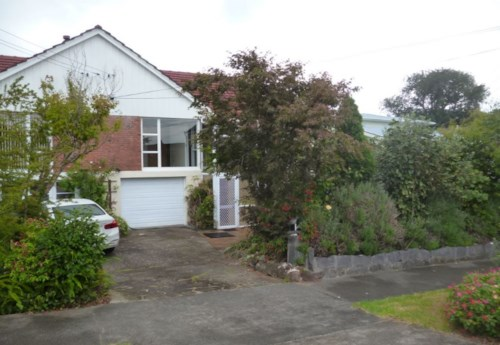 Greenlane, Family Home In Double Grammar Zone, Property ID: 50004574 | Barfoot & Thompson