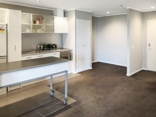 Grafton, Top Floor Apartment , Property ID: 50004577 | Barfoot & Thompson