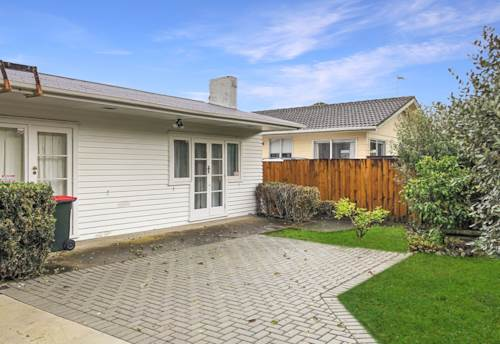 Remuera, 2 Bedroom stand alone with 2 living spaces, Property ID: 50005757 | Barfoot & Thompson