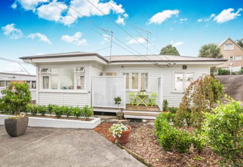 Sandringham, SANDRINGHAM SWEETIE, Property ID: 52000695 | Barfoot & Thompson