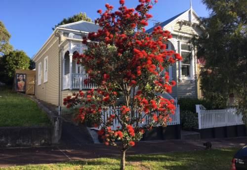 Grey Lynn, Grey Lynn Villa 4 bedrooms, Property ID: 52000816 | Barfoot & Thompson