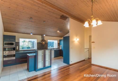 New Lynn, FIVE BEDROOMS & THREE BATHROOMS, Property ID: 52000830 | Barfoot & Thompson