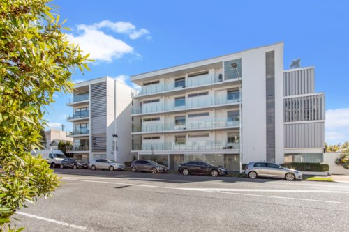Grey Lynn, GREY LYNN STUNNING 2 BEDROOM TOWNHOUSE, Property ID: 52000956 | Barfoot & Thompson