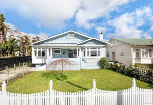 Pt Chevalier, PT CHEV - AVAIL NOV TO JUNE, Property ID: 52001977 | Barfoot & Thompson