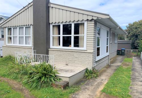 Mt Eden, Mt Eden 3 Bedroom with Pets Allowed, Property ID: 52003009 | Barfoot & Thompson