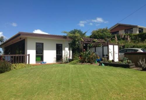 Dairy Flat, Lifestyle Family Home , Property ID: 53001728 | Barfoot & Thompson