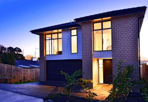 Unsworth Heights, Grand Modern Low Maintenance Family Home, Property ID: 53002251 | Barfoot & Thompson