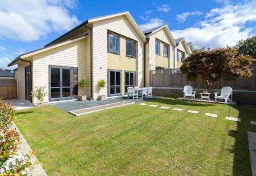Albany, Sensational Living!, Property ID: 53002283 | Barfoot & Thompson