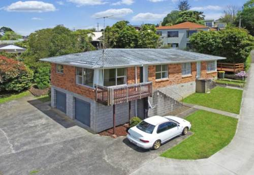Browns Bay, A little gem!, Property ID: 53002302 | Barfoot & Thompson