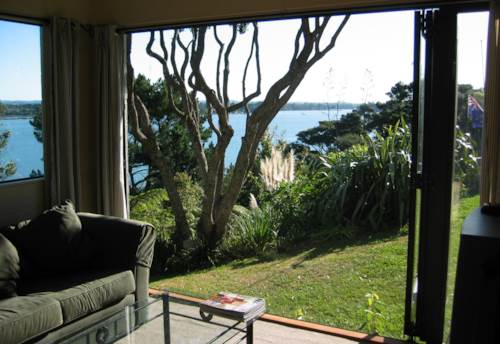 Paremoremo, Fully Furnished Retro Beauty, Property ID: 53002304 | Barfoot & Thompson