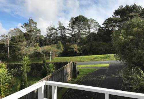 Albany, LARGE FAMILY HOME WITH ADDED BONUS OF EXTENDED FAMILY LIVING, Property ID: 53002324 | Barfoot & Thompson