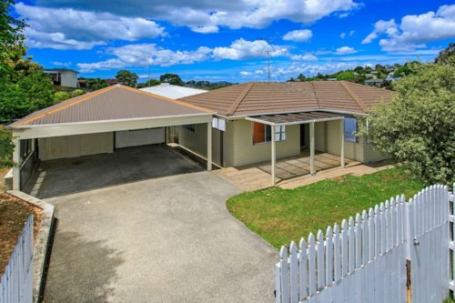 Totara Vale, A little gem, Property ID: 53002450 | Barfoot & Thompson