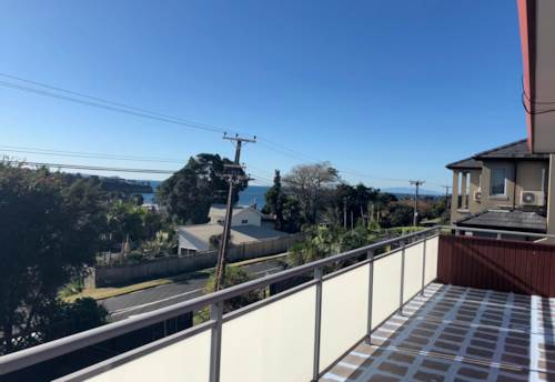 Browns Bay, Heart of Browns Bay - Brand new carpet throughout, Property ID: 53002453 | Barfoot & Thompson