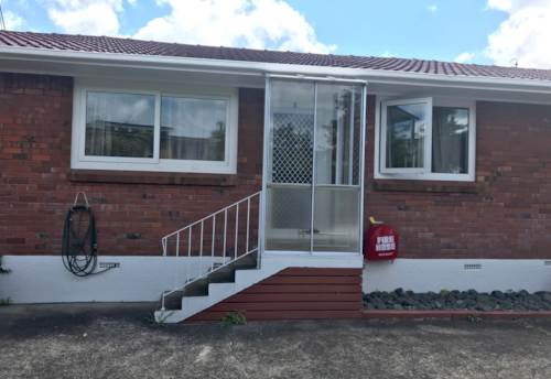 Milford, STUNNING FULLY RENOVATED SEMI FURNISHED ONE BEDROOM UNIT, Property ID: 53004609 | Barfoot & Thompson