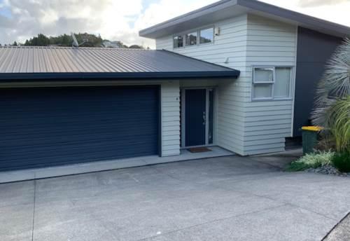 Hatfields Beach, Family home in Hatfields Beach , Property ID: 53004661 | Barfoot & Thompson