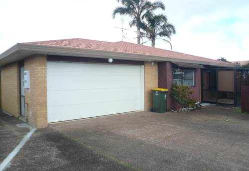 Howick, Golflands Dr,  Family home, Property ID: 54002874 | Barfoot & Thompson