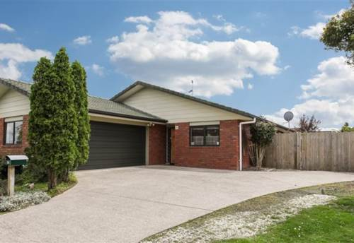 Papakura, Carisbrook Crescent, Family Home, Property ID: 54002900 | Barfoot & Thompson