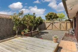 Property located at 38 Carisbrook Crescent, Papakura, New Zealand | Barfoot & Thompson