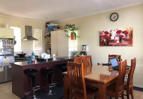 Flat Bush, Chapel Road, 2 Bathrooms Apartment! , Property ID: 54003014 | Barfoot & Thompson