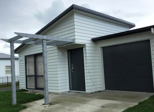 Wiri, Near new in Totara Meadows, Property ID: 54004029 | Barfoot & Thompson