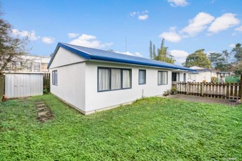 Pakuranga, 76a Reelick Ave - Great Family Home, Property ID: 54004045 | Barfoot & Thompson