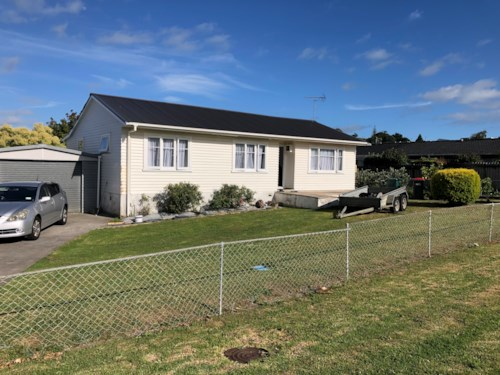 Howick, Moore St, Handy location, Property ID: 54004048 | Barfoot & Thompson