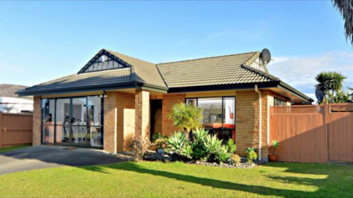 Weymouth, Sandwick Dr, Beautiful Home + Rumpus, Property ID: 54004049 | Barfoot & Thompson