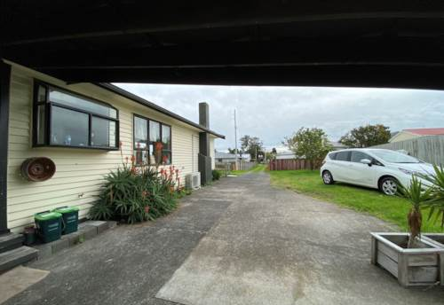 Papakura, Tironui Station Road, Newly Renovated Family Home, Property ID: 54004113 | Barfoot & Thompson