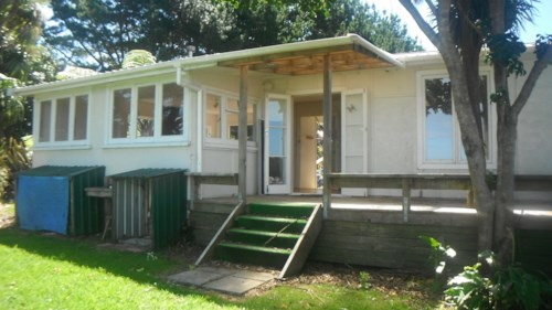 Waiuku, One Bedroom Cottage, Property ID: 55000462 | Barfoot & Thompson