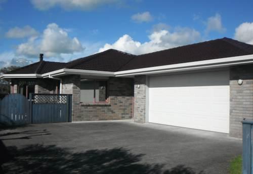 Waiuku, Experience This Space, Property ID: 55000505 | Barfoot & Thompson