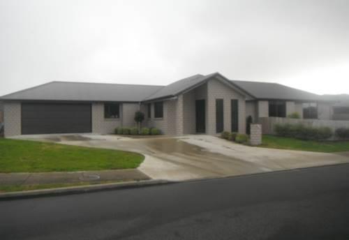 Waiuku, Modern Family Home, Property ID: 55000540 | Barfoot & Thompson