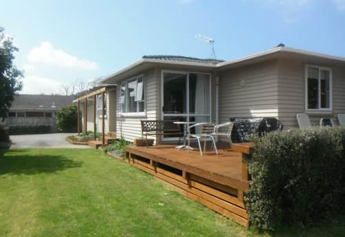 Waiuku, Private Setting on Right of Way, Property ID: 55000550 | Barfoot & Thompson