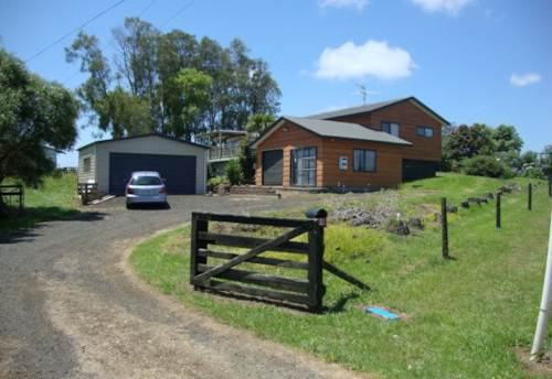 Waiuku, Just Out of Town, Property ID: 55000619 | Barfoot & Thompson