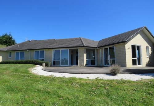 Waiuku, Big Bright & Beautiful, Property ID: 55000655 | Barfoot & Thompson