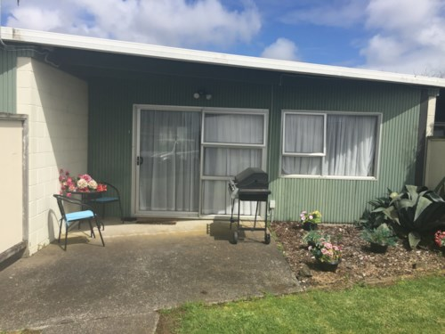 Pukekohe, Walk to town, Property ID: 55000666 | Barfoot & Thompson