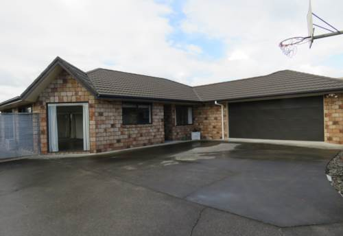 Waiuku, Just Move In - All Ready & Waiting, Property ID: 55000685 | Barfoot & Thompson