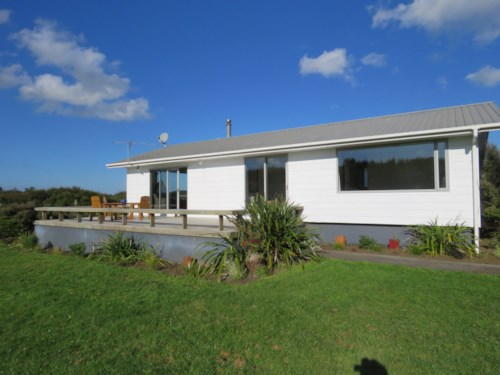 Waiuku, Peace & Privacy Here, Property ID: 55000695 | Barfoot & Thompson