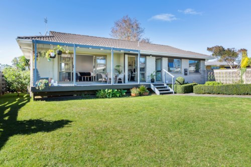Waiuku, Brick and Tile Family Home, Property ID: 55000701 | Barfoot & Thompson