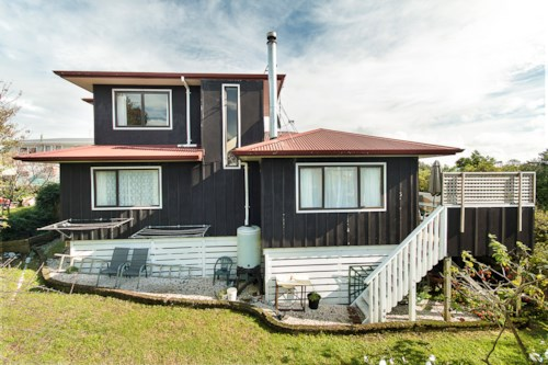Glenbrook Beach, Home at the Beach, Property ID: 55000702 | Barfoot & Thompson