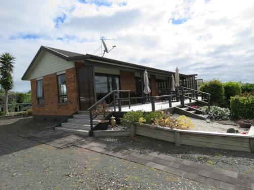 Waiuku, Panoramic Views of City , Property ID: 55000708 | Barfoot & Thompson