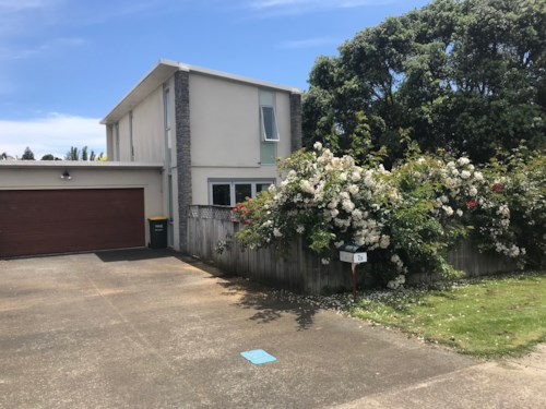 Waiuku, Good Location for Schools & Shopping, Property ID: 55000710 | Barfoot & Thompson