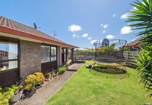 Waiuku, Perfect Location, Property ID: 55000734 | Barfoot & Thompson