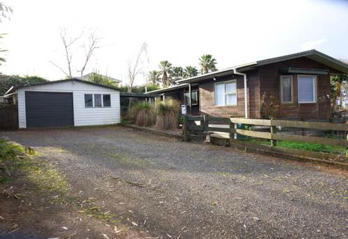 Pukekohe, bring your sheep, Property ID: 55000741 | Barfoot & Thompson