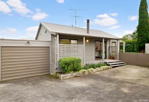 Waiuku, Modern Two Beddy, Property ID: 55000743   Barfoot & Thompson