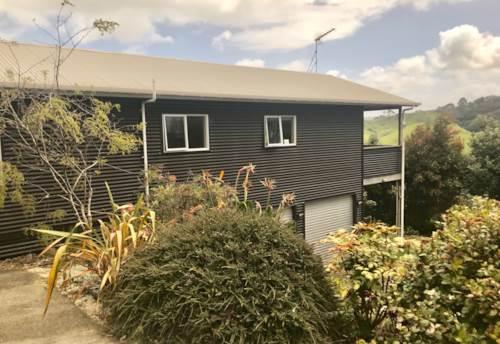 Awhitu, Panoramic Views, Property ID: 55000763 | Barfoot & Thompson