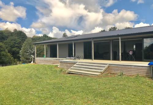 Waiuku, Rural Living for the Extended Family, Property ID: 55000766 | Barfoot & Thompson