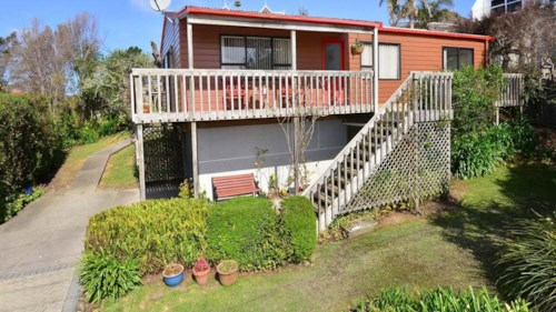 Stanmore Bay, 3 BEDROOM HOME WITH SEAVIEWS, Property ID: 56001323 | Barfoot & Thompson
